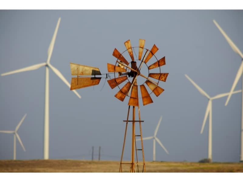 why do wind turbines have three blades